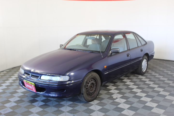 1994 Holden Commodore Executive VR Auto Sedan 129,487 Km. Rego 5.4.2021