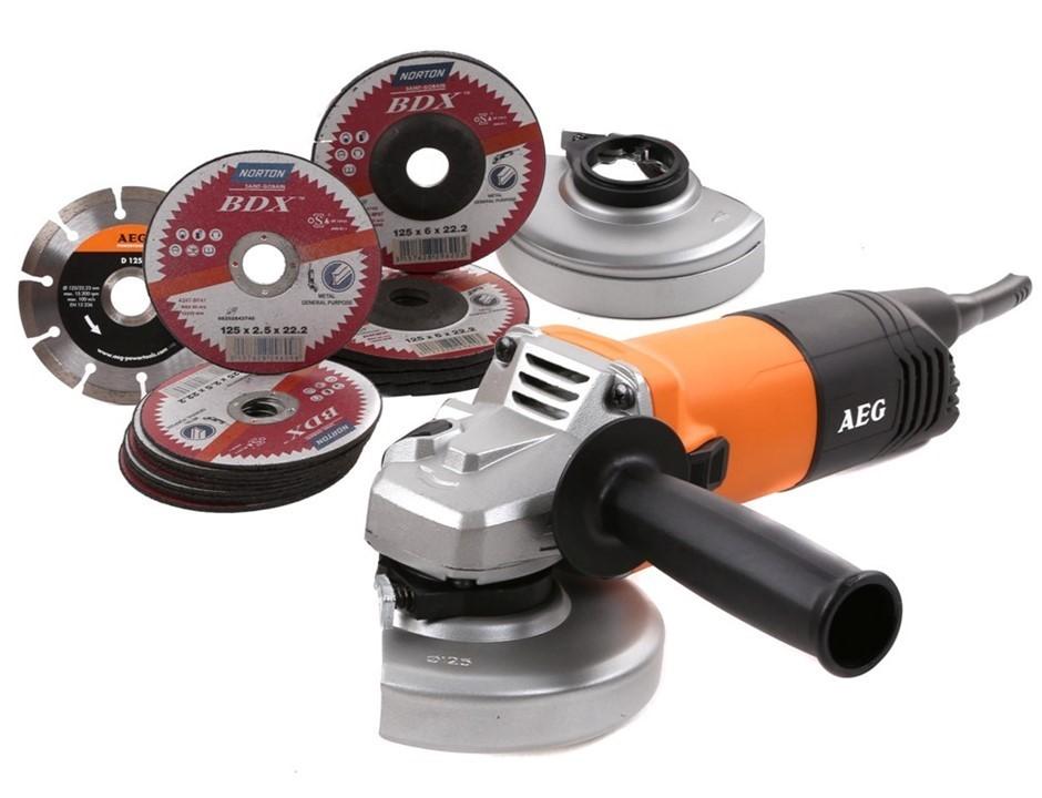 AEG 125mm Angle Grinder 1100W c/w 10 x Cutting Discs, 4 x Abrasive & 1 x Di