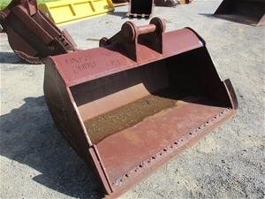 Mud Bucket 1800mm (W)
