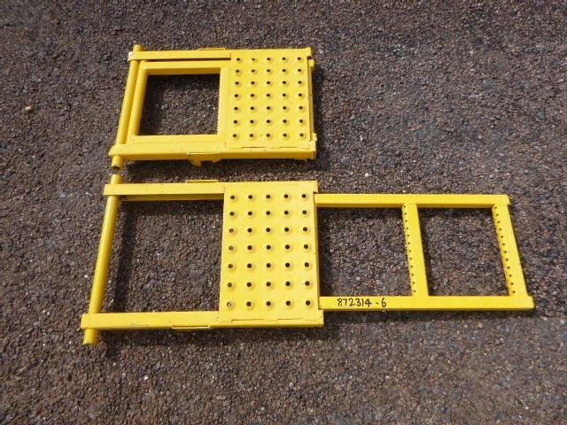 Qty 2 x Steps For Truck Tray