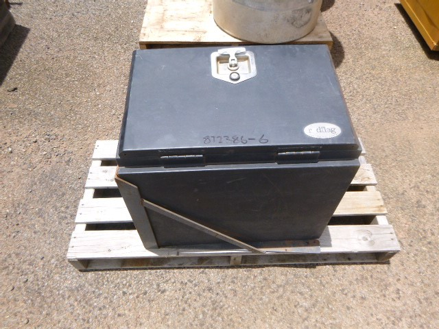 Red Flag Industries Truck Tool Box