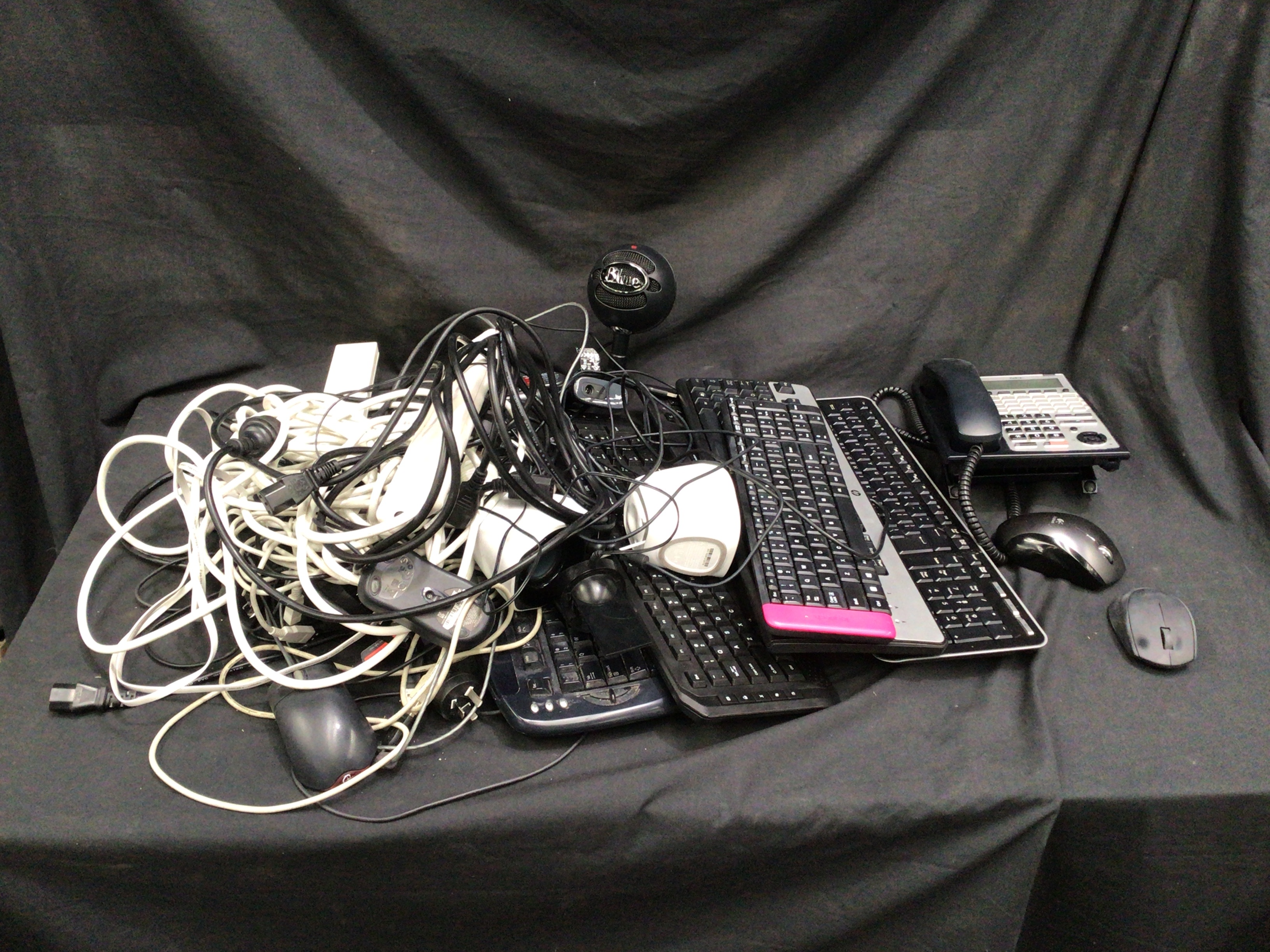Quantity of Computer Cables And Accessories