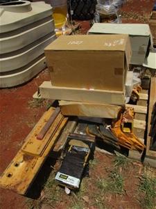Pallet Containing John Deere Model 772 G