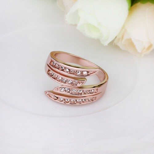 Elegant 18k Rose Gold Filled GF Crystals Woman Ring Size 7