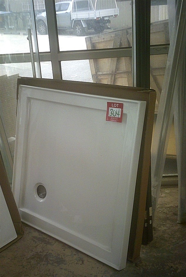 900mm x 900mm White fibreglass acrylic shower base. Ex Display. As Is