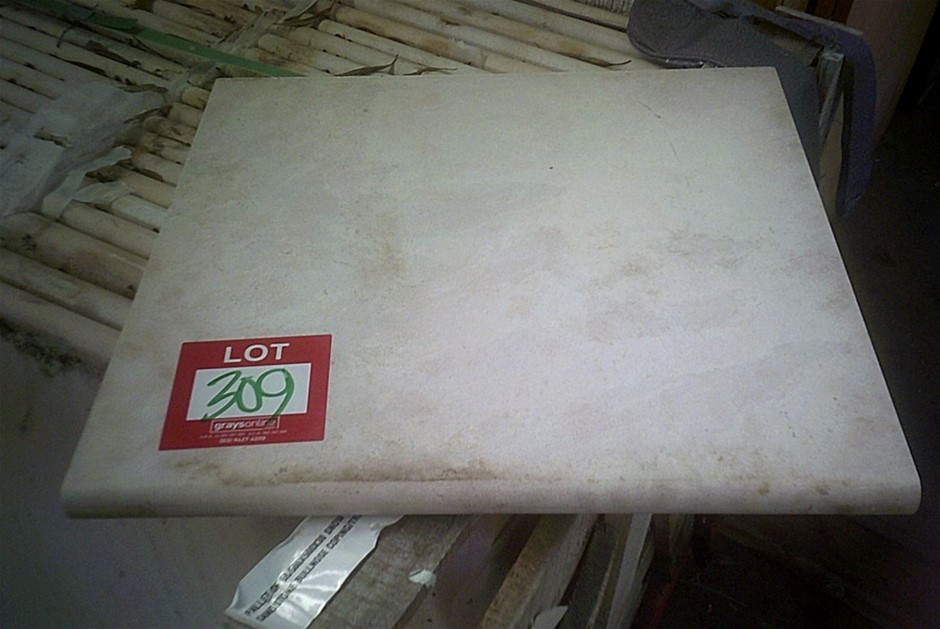 42 units of 500mm x 500mm x 30mm thick bullnose sandstone pavers/coping tre
