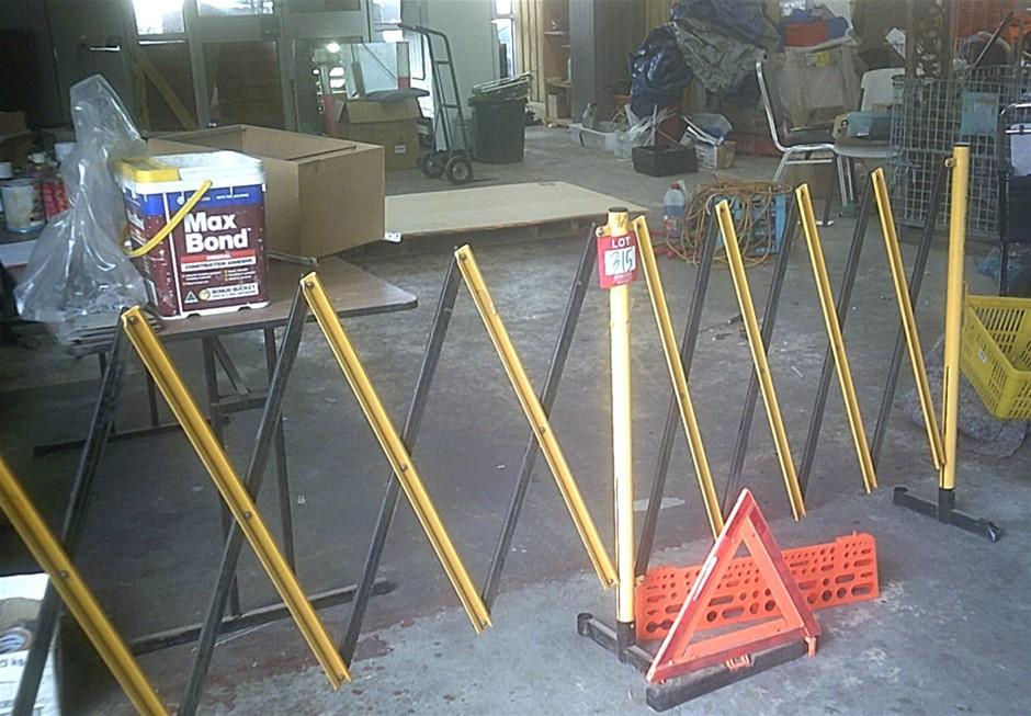 Steel Expansion safety barrier.