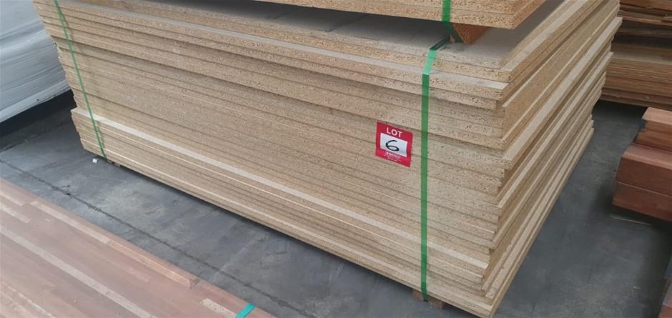 Flooring Particleboard : 1800 x 600 x 25mm. Total = 25 pcs