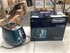 <p>DeLonghi Distinta Flair CTI2003.BL Two-Slice Toaster</p>