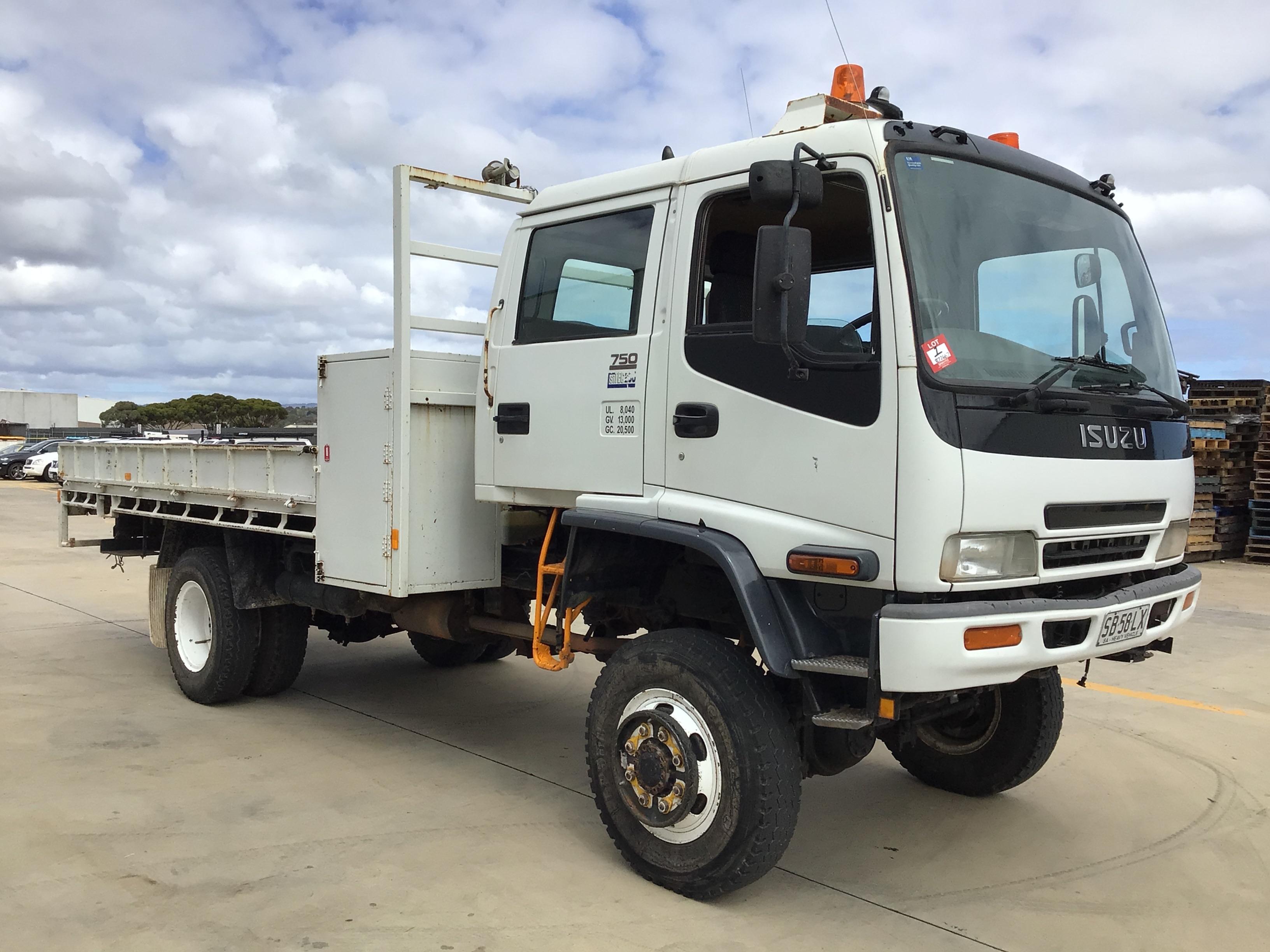 2002 Isuzu FTS 750 4 x 4 Crew Cab Chassis Truck
