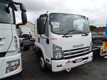 2014 Isusu FCR5 MS Cab Chassis Truck