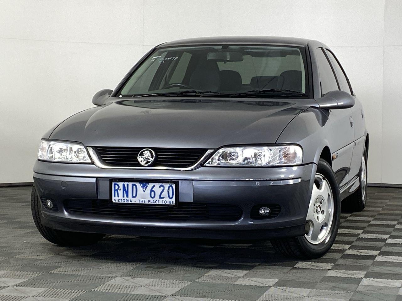 2001 Holden Vectra CD JSII Manual Sedan