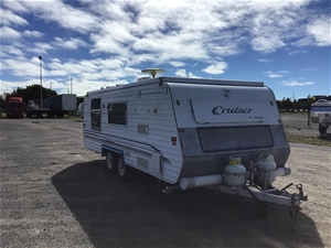 2000 Regent Cruiser 19.5FT Pop Top Carav