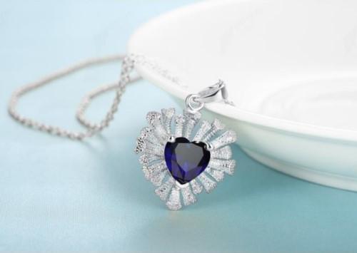 Legant 18K White Gold Filled GF Heart CZ Pendant Necklace