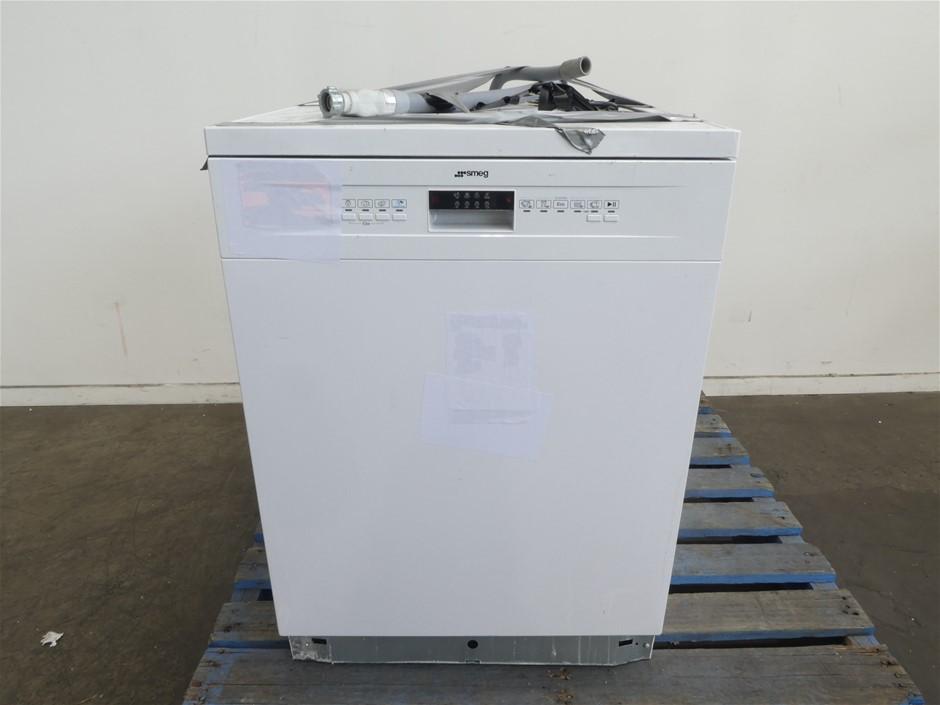 Smeg 60cm Freestanding Dishwasher (DWA6314W)