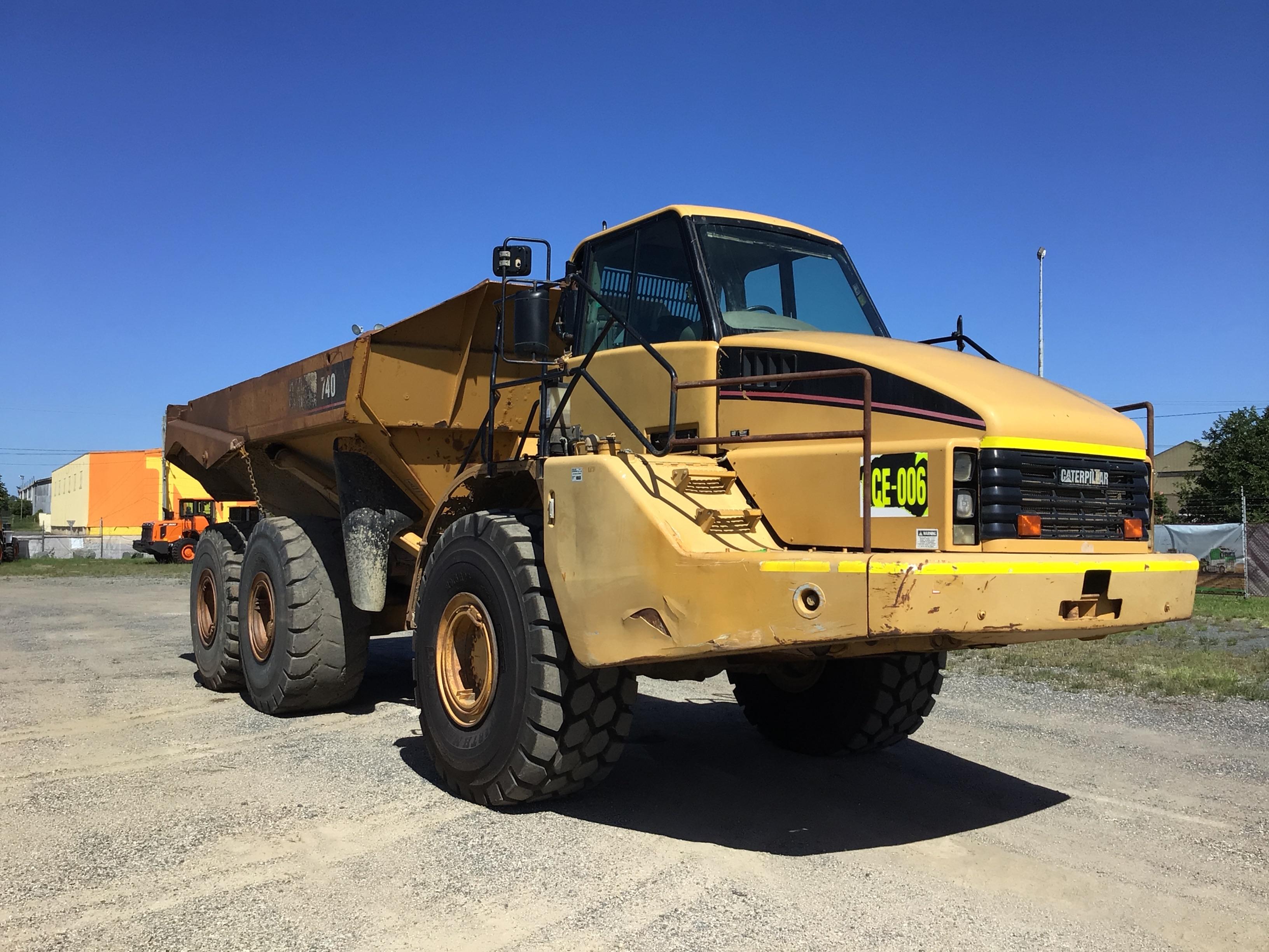 2005 Caterpillar 740 Articulated Dump Truck