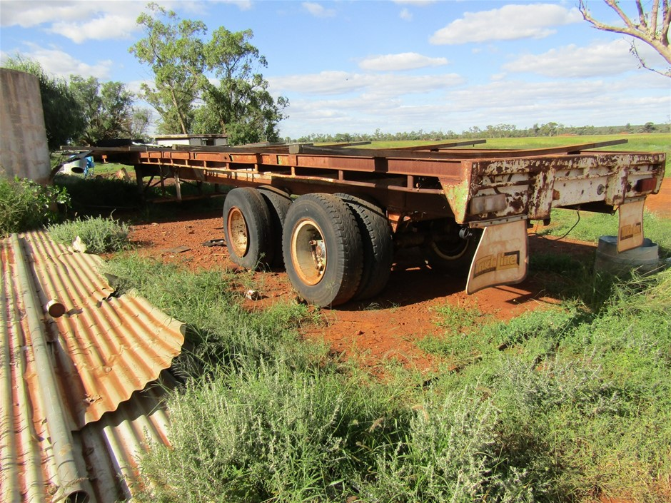 Tandem Axle Flat Bed Trailer
