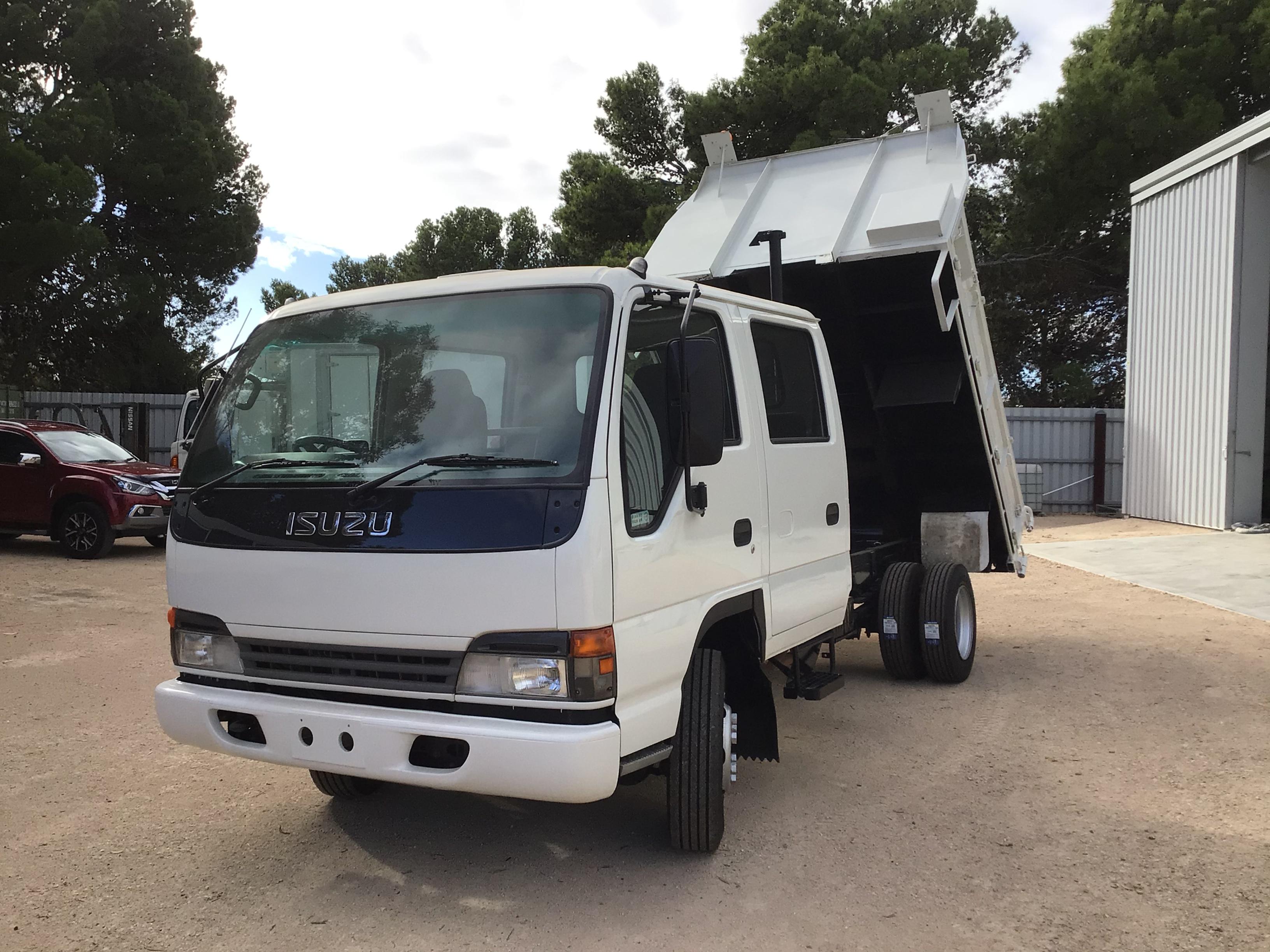 2003 Isuzu NPR400 4 x 2 Tipper Truck
