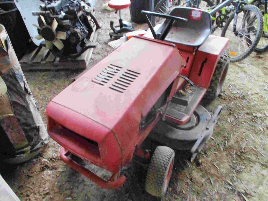 Rover Ride On Mower with Trailer