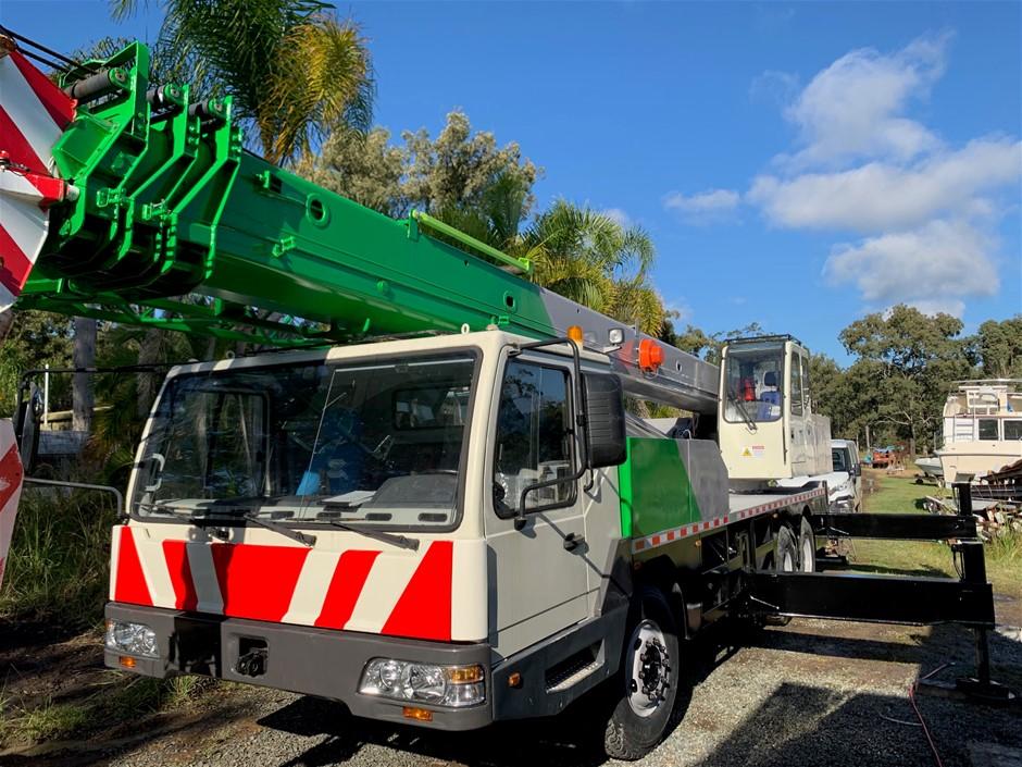2006 Zoomlion QY25 Crane
