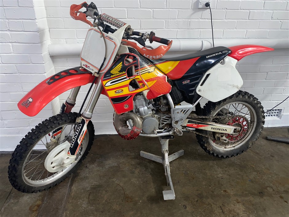 2001 Honda CR500R Motorcross Bike