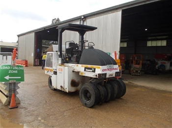 DYNAPAC CP142 Roller Multi Tyre 14t