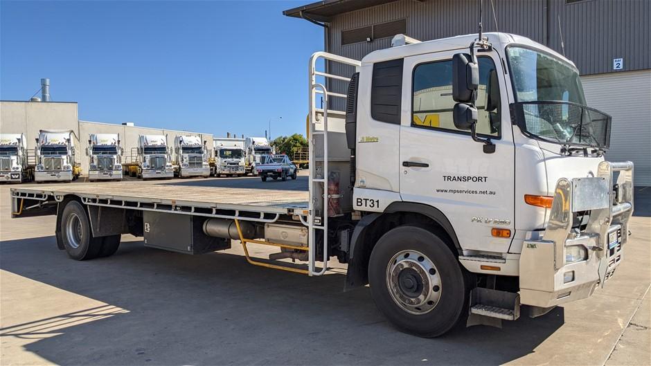 2019 U.D. Condor 4 x 2 Tray Body Truck