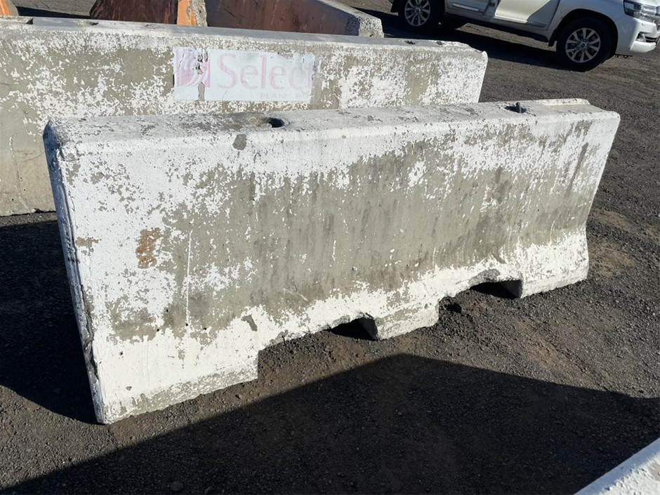 Used Concrete Barrier