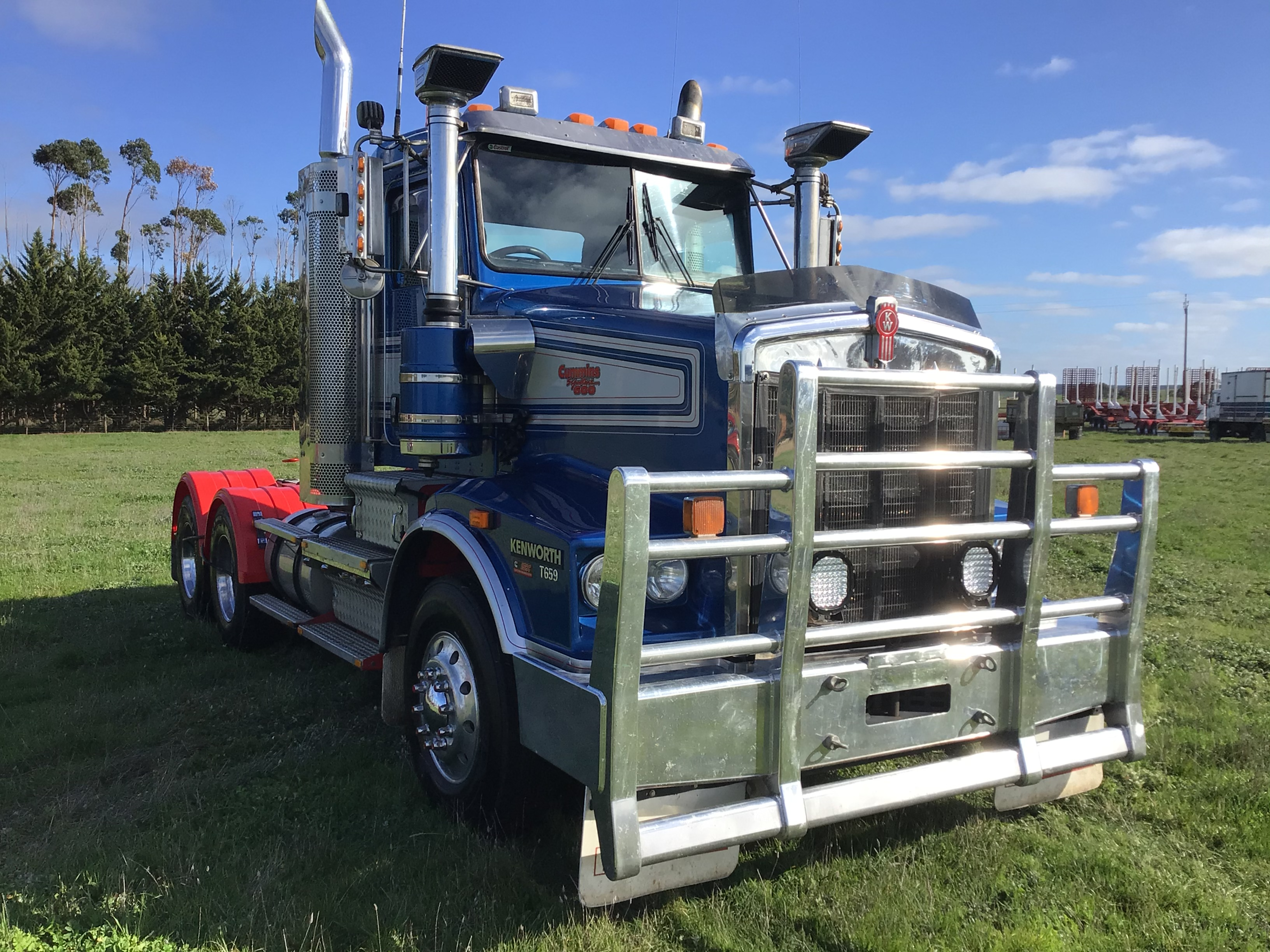 2011 Kenworth T 659 6 x 4 Cab Chassis Truck