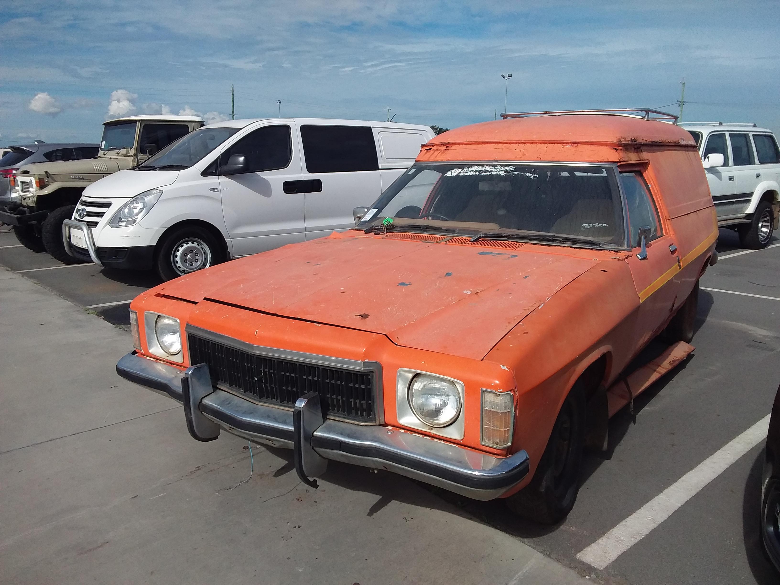 1977 Holden HX Sandman Panel Van Auto 253