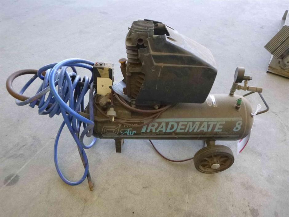 Pilot TD8 Trademate 8 Portable Air Compressor and hose