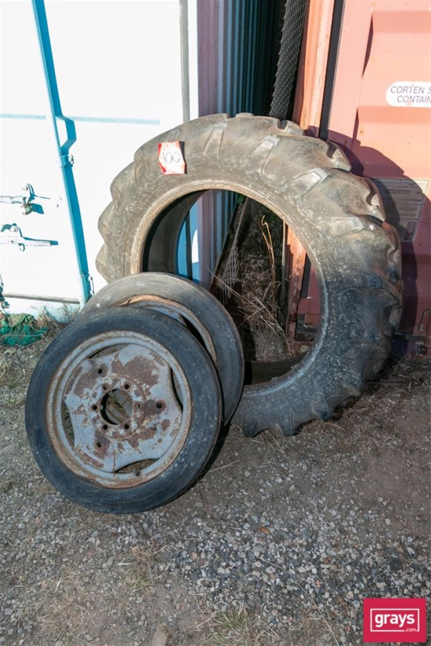 M F TE 20 Assorted Tractor Tyres & Rims