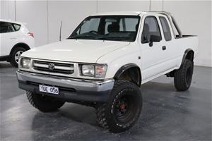 1998 Toyota Hilux (4x4) Manual Ute