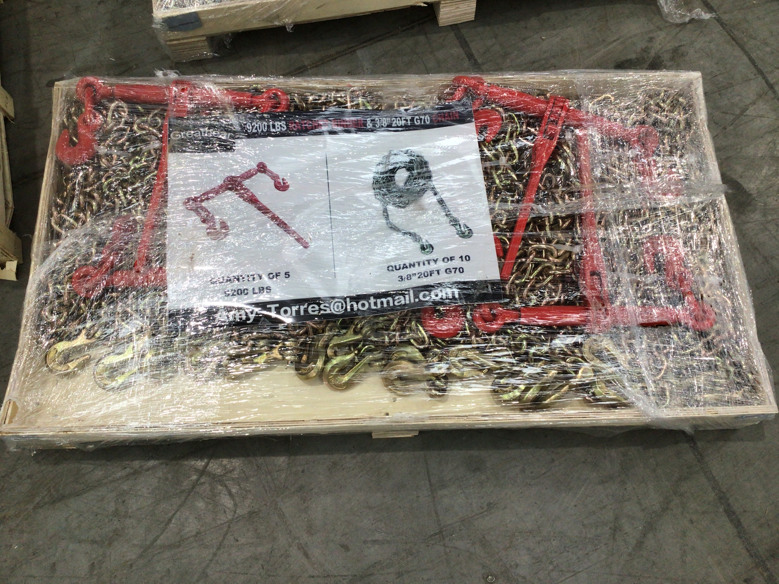 Unused 9200 LBS Ratchet Binders and Chains