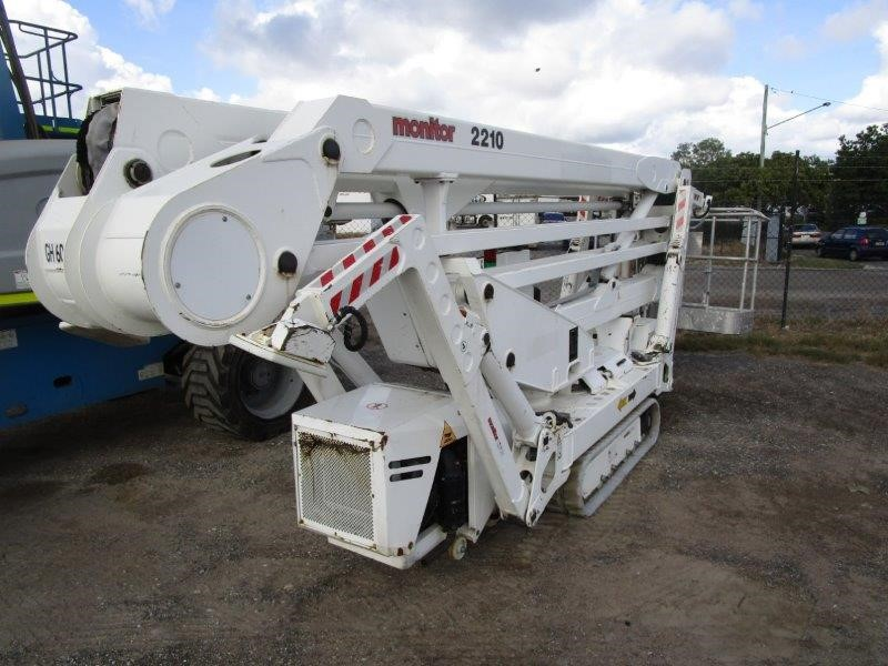 2014 Monitor 2210 Tracked Spider Lift
