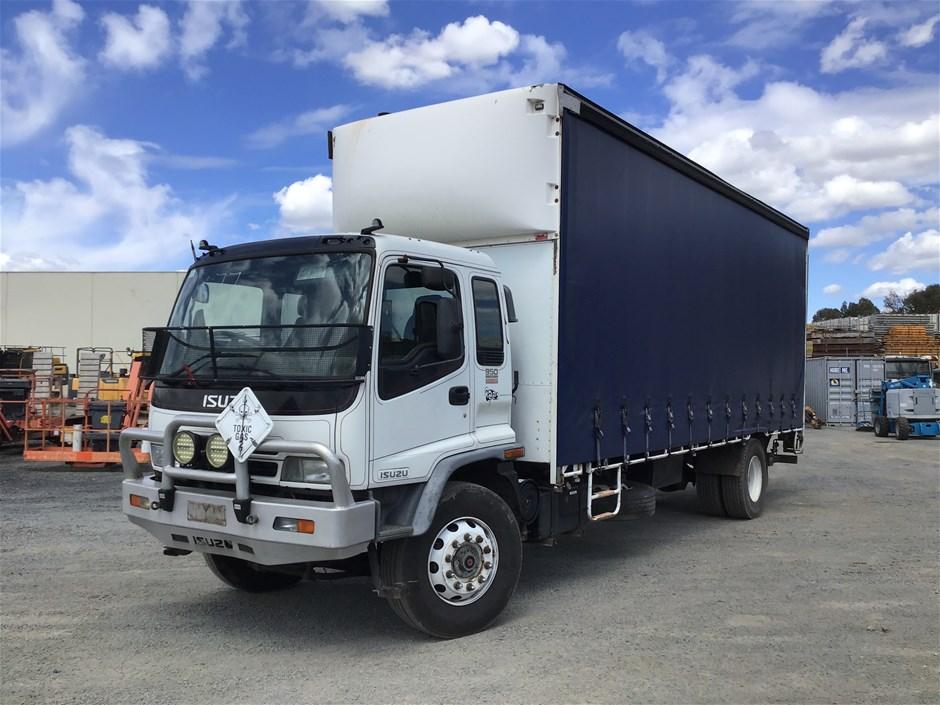 2007 ISUZU 8FR02 4 x 2 Curtainsider Rigid Truck