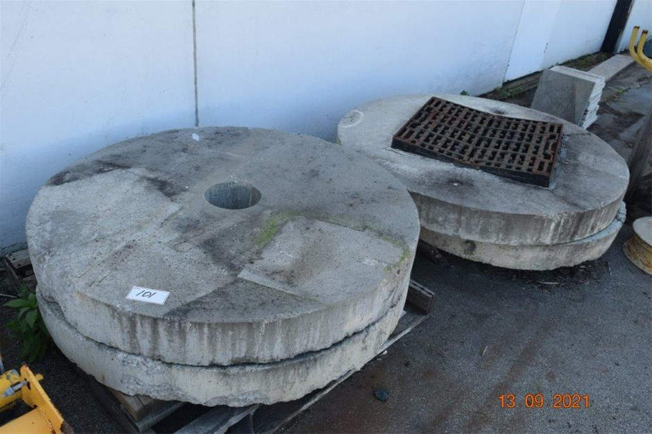 Lot of 4 Concrete Grating / Soak well Covers