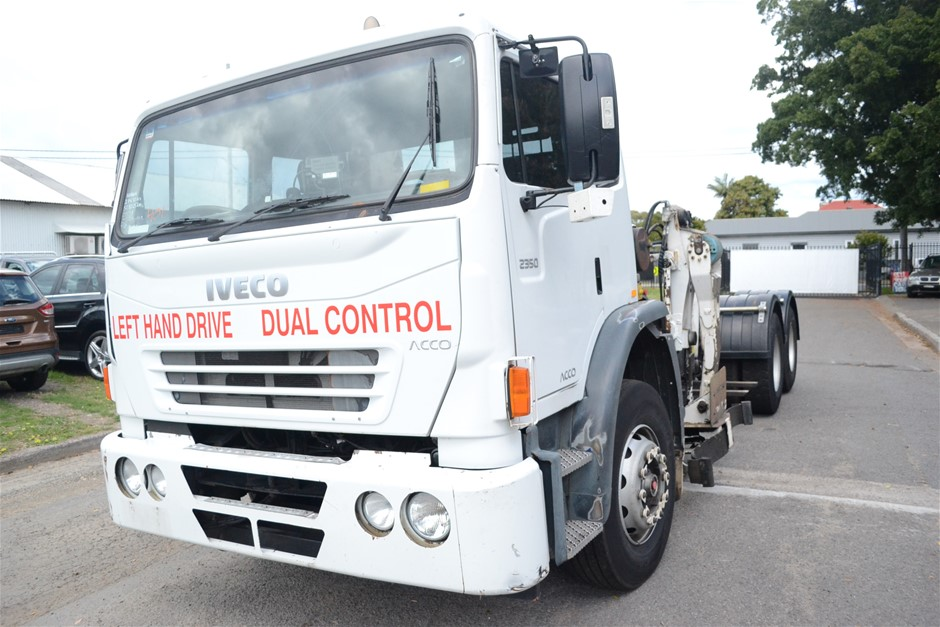 2009 Iveco Acco 6 x 4 Cab Chassis Truck