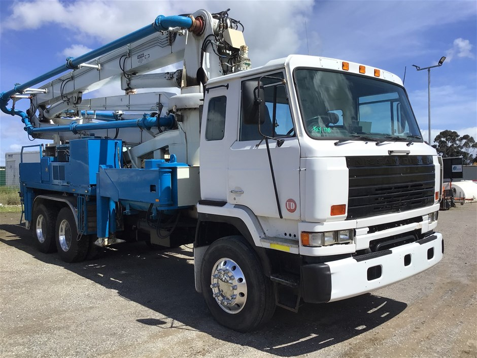 1990 Nissan UD CK4 6x4 Concrete Pump Truck