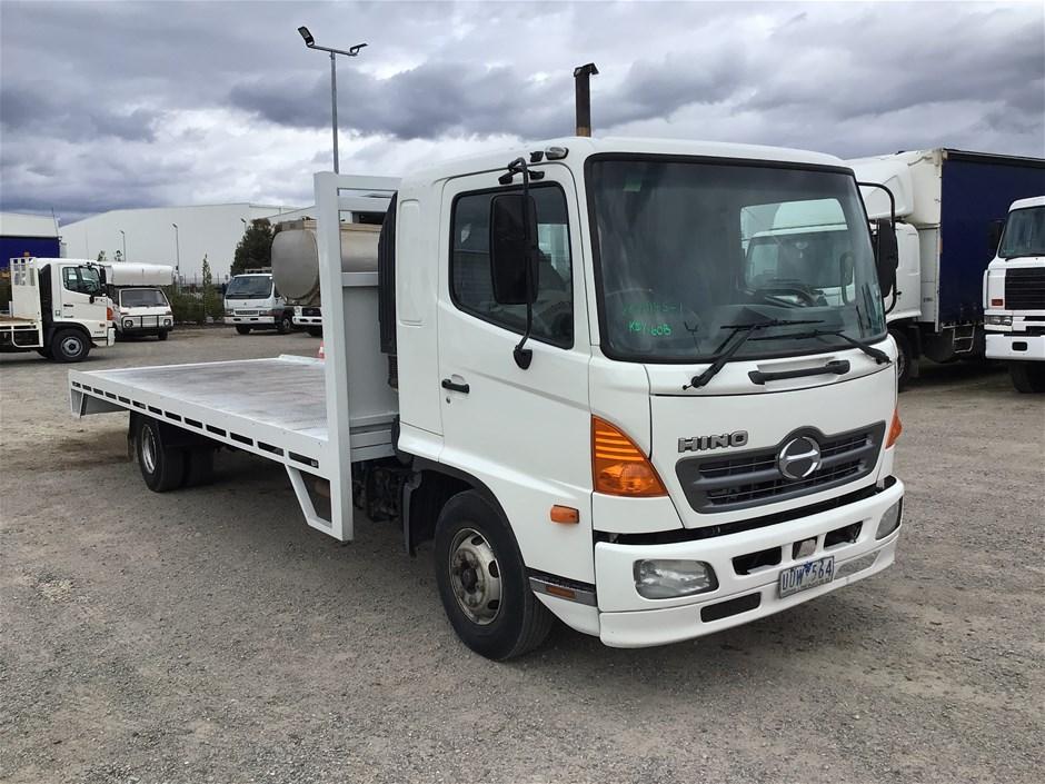 2007 Hino FD 4 x 2 Tray Body Truck