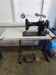 Industrial Sewing Machine Singer Model 132k6 Single
