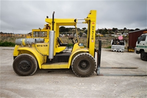 Forklift - Hyster model H200ES, S/No  B751832V 9070kg max lift capacity, 50