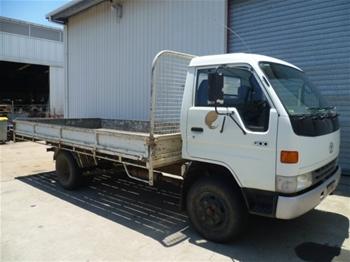 Toyota Dyna 400 4.1 Ltr Tray Truck (1995)