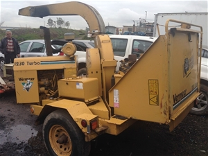 Vermeer BC1230 wood chipper, 3918 hours showing